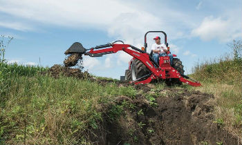CaseIH-LoaderAttach-Backhoes.jpg