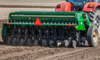 CroppedImage350210-GreatPlains-12NoTillDrill-2019.jpg