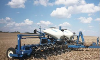 CroppedImage350210-Kinze-3665Planter-2020.jpg