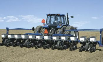 CroppedImage350210-Kinze-StackFoldPlanter-2020.jpg