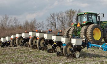 CroppedImage350210-kinze-Wingfold-Planter-series.jpg